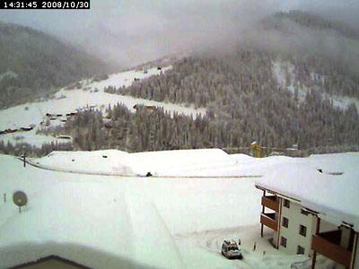 Schneerekord in Sedrun (Webcam lucas.jacomet.com, 30. Oktober 2008) - Klicken für aktuelles Foto