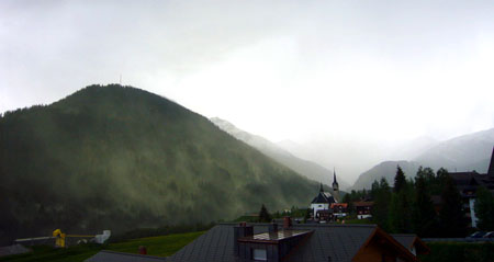 Blütenstaubwolken in Sedrun (Mai 2009)