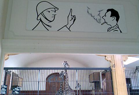 Vintage-Rauchverbot im Giraffenhaus des Basler Zollis