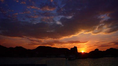 Sonnenuntergang im Hafen von Vulcano, September 2007
