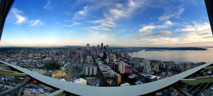 Panorama von der Space Needle mit Mount Rainier, Seattle, August 2008 (Bild: Lucas Jacomet)