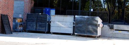 Abfallcontainer auf der Rückseite des Googelpex (September 2008)