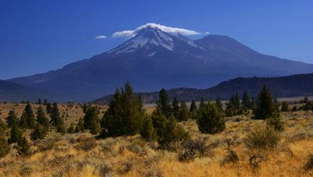 Mount Shasta von Norden her gesehen (September 2008)