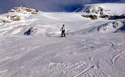 Skisaisonstart 2008 in Zermatt - herrliche Pisten bis nach Cervinia hinunter (24. November 2008)