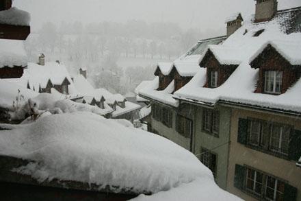 Unglaubliche Schneemengen für Bern (17. Dezember 2008)
