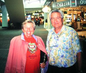 Abschied nach einer gemeinsamen Reise durch Australien am Flughafen Sydney, Oktober 1993