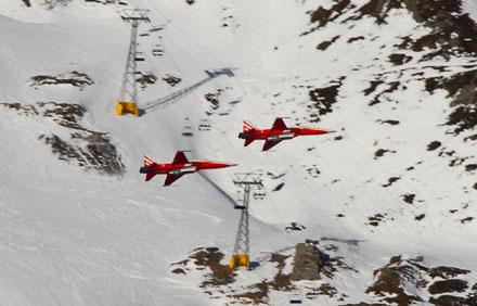 Patrouille Suissse am Lauberhornrennen (Januar 2009) - Foto: Sebastian Hueber
