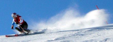 Weltcup-Fahrer Marc Berthod beim Slalomtraining am Männlichen