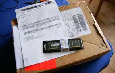 Verpackungsärger: Eine Riesenkiste für ein wenig Arbeitsspeicher (Januar 2009)
