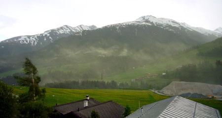 Wenn Fichten ficken: Pollenwolke in Sedrun (Mai 2009)
