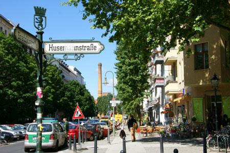 Ecke Sredzki- und Husemannstrasse in Berlin, Juni 2009: Hier arbeitet es sich gut - wenn nur die Surf-Abzockerei nicht wäre