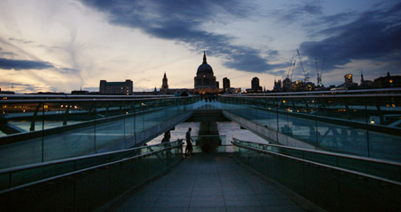 Millennium Bridge, Saint Paul's Cathedral (Juni 2009)