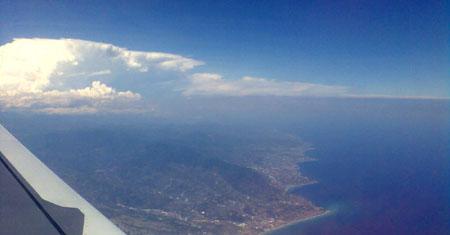 Über der Ligurischen Küste, Anflug auf Nice, 7. Juli 2009, 14 Uhr