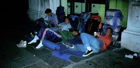 Übernachten am Bahnhof Nice, Sommer 1990