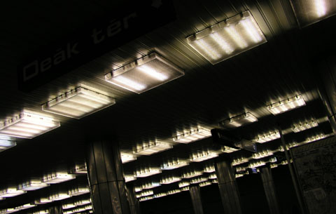 Metro Budapest, April 2004