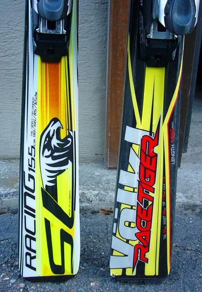 Der alte Kumpel (rechts) und der neue Völkl Racetiger (Version 2009/10)