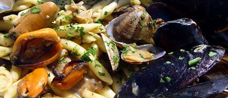 Pasta fresca im Chalet Etoile mit diversn Meeresfrüchten, Pilzen, Trüffeln... mmmh