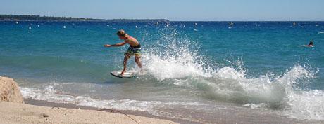 Am Strand von La Bocca bei Sturmwind (Cannes, 16. August 2010)