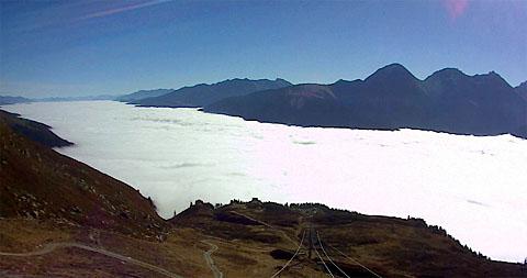 Nebelmeer über der Surselva, 15. Oktober 2010 (Quelle: Bergbahnen Disentis)