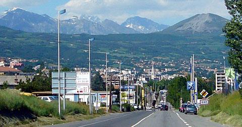 Einfahrt nach Gap von Süden, Juni 2010