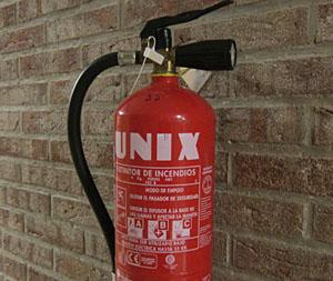 Feuerlöscher mit Unix (Ronda, Spanien, April 2011)