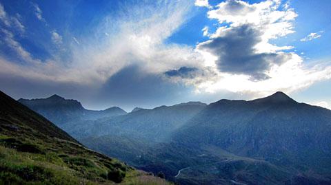 Badus, Piz Tuma, Pazola: Vom Wallis zieht eine Gewitterzelle in die Surselva - Zeit, nach Hause zu radeln (23. August 2011)