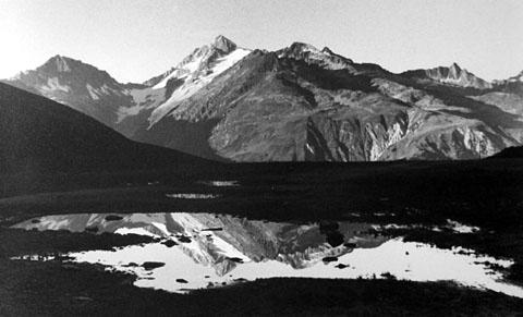 Spiegelbilder im Val Nalps, Herbst 1974 (Hand Jacomet)