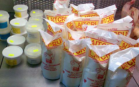 Milchprodukte aus der Ferme de l'Establerie in Callian (Var)