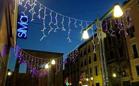 Vorweihnachtstag in Milano, Dezember 2011