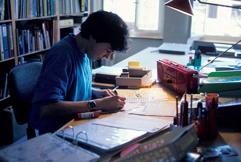 Klein Blöker im Winter 1987 beim Layout der neusten FGOI-Nummer
