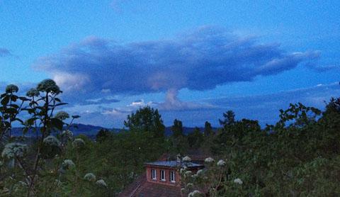Atompilz über dem Worblental, 9. Mai 2012